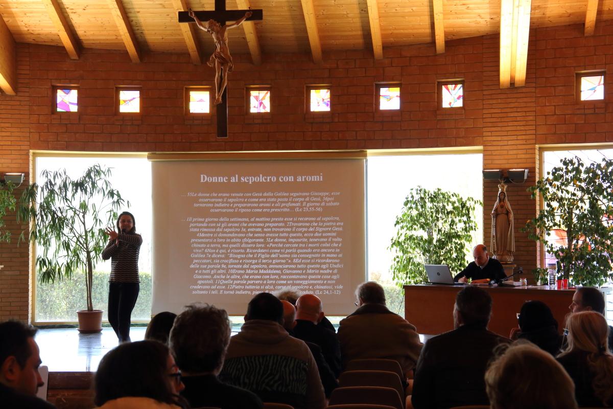 Antonella Anghinoni biblista parla del tema il profumo nella bibbia